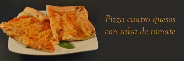 Pizza cuatro quesos con salsa de tomate